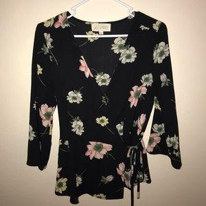 Sweet wanderer floral top